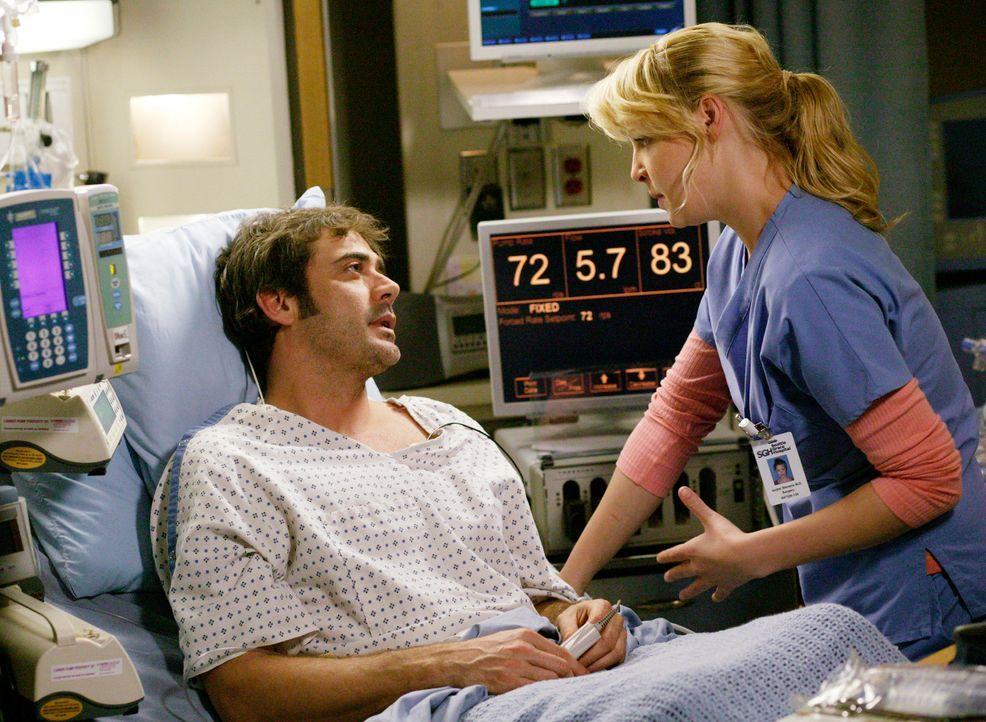 Izzie (Katherine Heigl, r.) überbringt Denny (Jeffrey Dean Morgan, l.) die Nachricht, dass er ein Spenderherz bekommen soll. Da er aber bereits scho... - Bildquelle: Touchstone Television