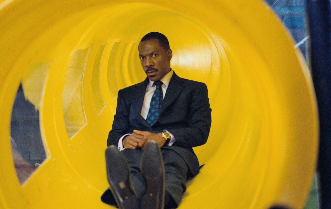 Seine Welt dreht sich ausschließlich um seine Arbeit. Als erfolgreicher Finanzchef weiß er alles über Aktienkurse und Börsentrends, aber wenig über... - Bildquelle: 2009 BY PARAMOUNT PICTURES. ALL RIGHTS RESERVED