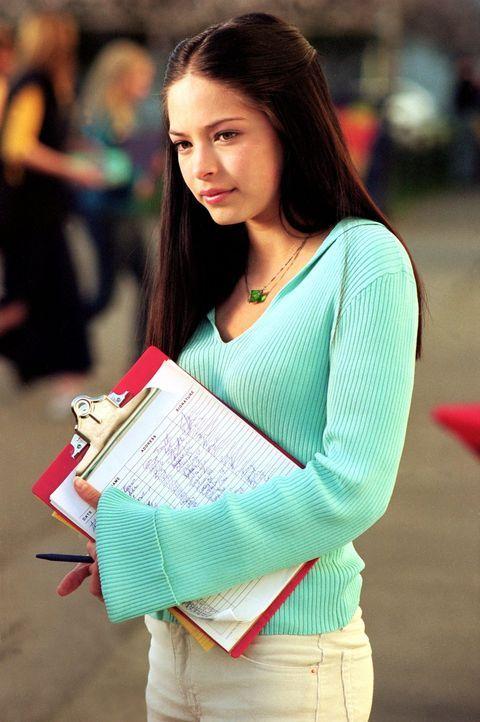 Obwohl sie dem Footballstar der Smallville High School liiert ist, fühlt sich Lana (Kristin Kreuk) zu Clark hingezogen ... - Bildquelle: Warner Bros.