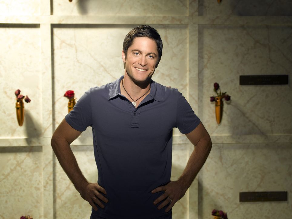 (4. Staffel) - Oft hadert Jim (David Conrad) mit seiner Berufswahl, weil es ihm als Sanitäter nicht möglich ist, alle Menschen zu retten, denen er z... - Bildquelle: ABC Studios