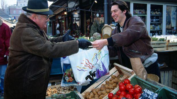 Am Naschmarkt ist seit einiger Zeit der Teufel los. Kommissar Moser (Tobias M...