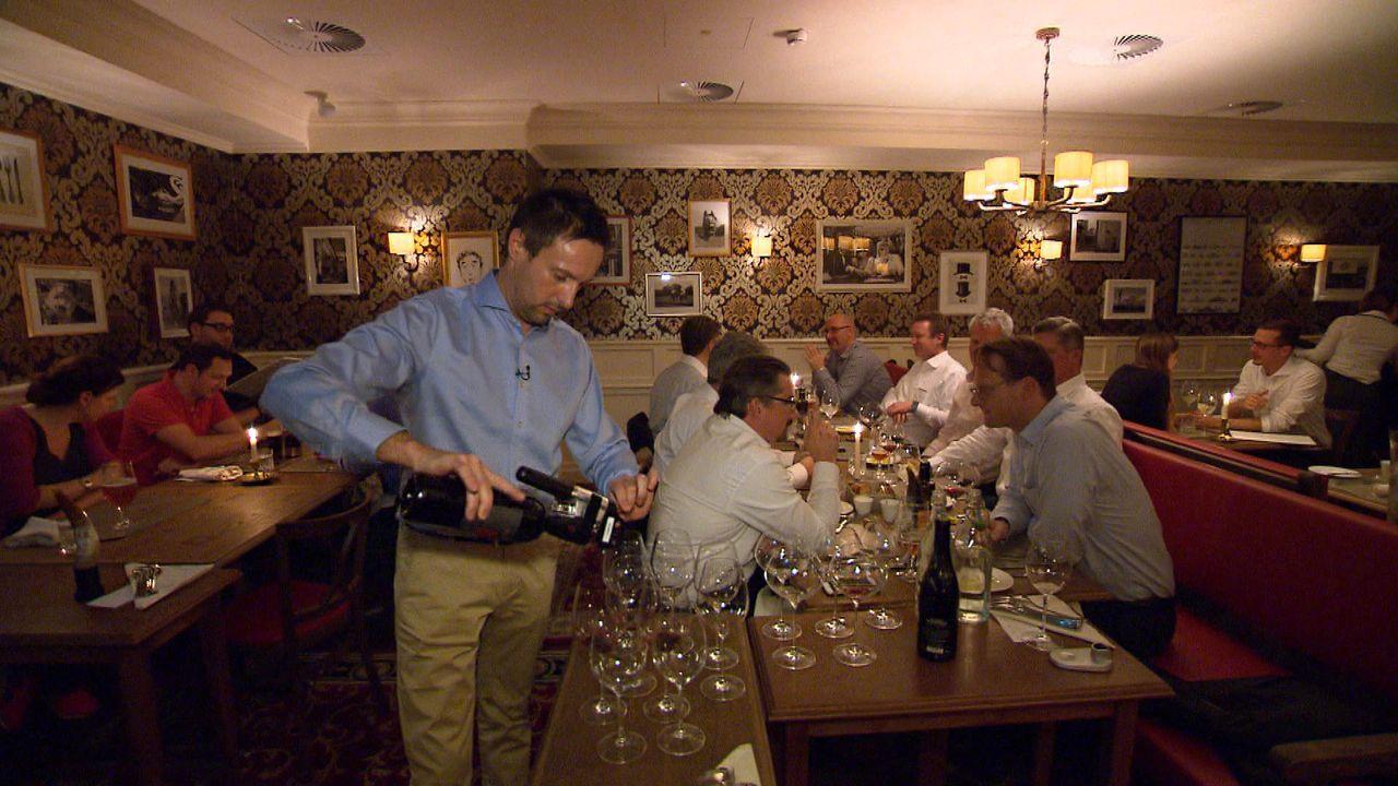 """""""Restaurants am Limit"""" wirft einen Blick auf fünf Restaurants und auf ihren spannenden Weg zum Erfolg - oder auch auf ihr Scheitern: das Steakhouse... - Bildquelle: kabel eins"""