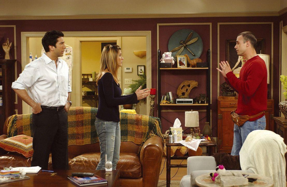 """Ross (David Schwimmer, l.) und Rachel (Jennifer Aniston) suchen ein Kindermädchen und sind erstaunt, wer sich bewirbt. Mit einem """"Kindermännchen""""... - Bildquelle: TM+  2000 WARNER BROS."""