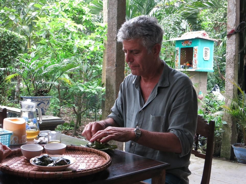 Erkundet auf seiner kulinarischen Reise Zentral-Vietnam: Anthony Bourdain ... - Bildquelle: 2014 Cable News Network, Inc. A TimeWarner Company All rights reserved