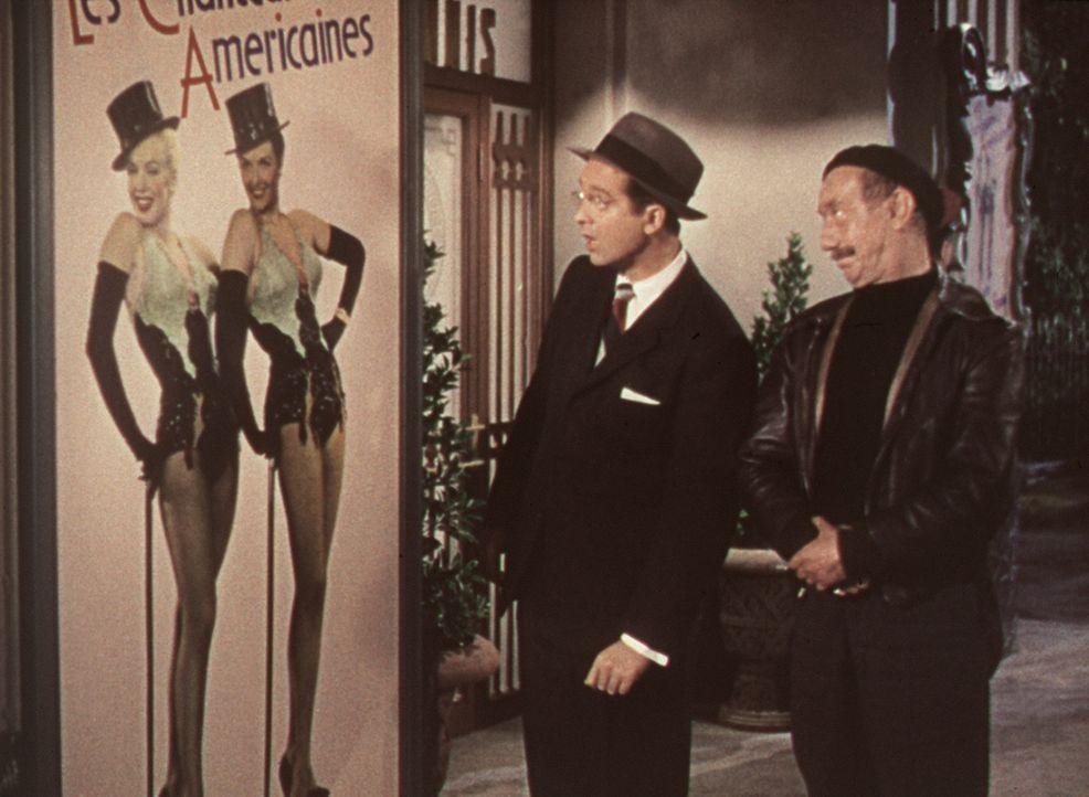 Durch ein Plakat muss der Millionärssohn Gus (Tommy Noonan, l.) erfahren, was seine Verlobte in Paris macht ... - Bildquelle: 20th Century Fox Film Corporation