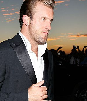 scott-caan-10-09-13-anzug-getty-AFP_300
