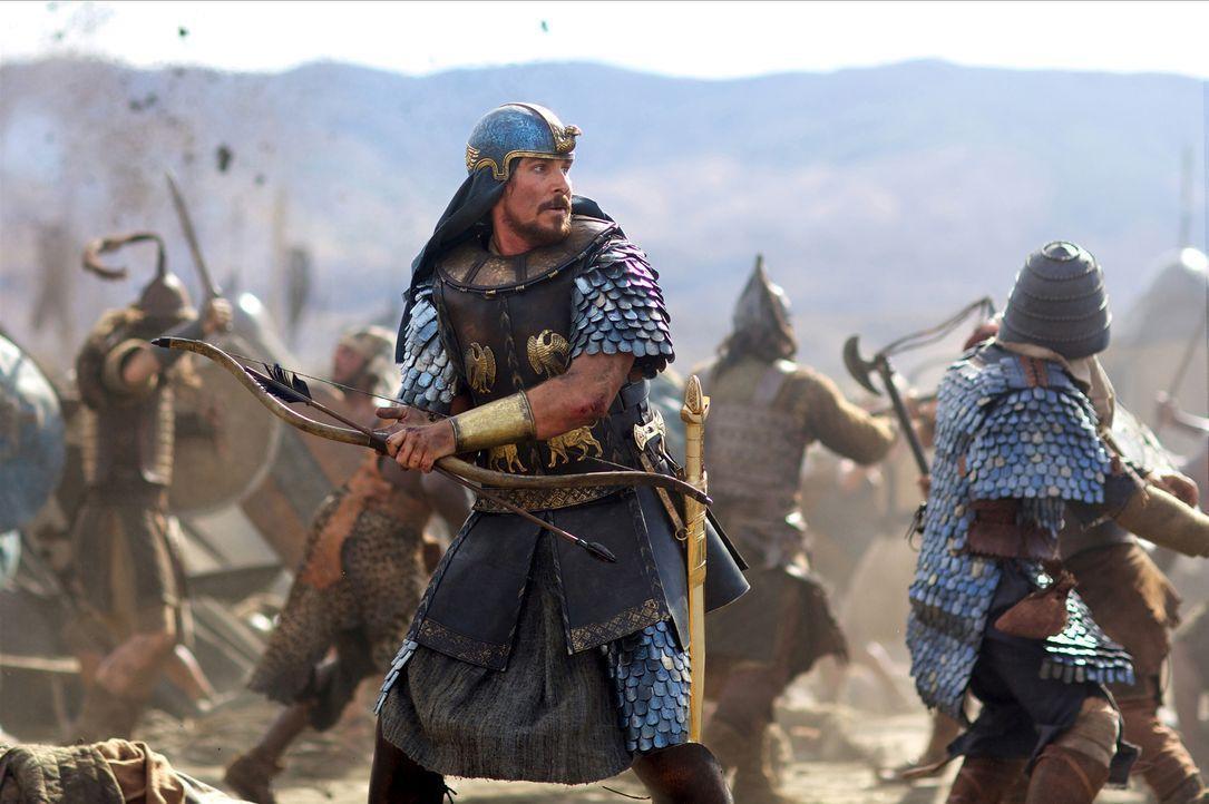 """Die Prophezeiung, """"ein Anführer wird gerettet werden, und der Retter selbst wird zum Anführer"""", wird wahr: Moses (Christian Bale) kann das Leben des... - Bildquelle: 2014 Twentieth Century Fox Film Corporation. All rights reserved."""