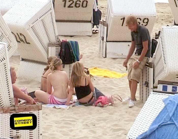 comedystreet-st-04-epi-01-grab-simon-gosejohann-05-prosiebenjpg 700 x 550 - Bildquelle: Guido Ohlenbostel ProSieben