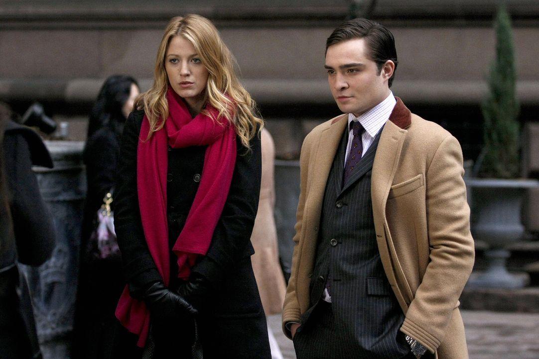 Haben einen Plan, wie sie Poppy entlarven können: Chuck (Ed Westwick, r.) und Serena (Blake Lively, l.) ... - Bildquelle: Warner Brothers