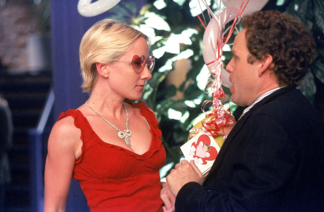 John (Peter MacNicol, r.) nimmt all seinen Mut zusammen und macht Melanie (Anne Heche, l.) einen Antrag. Was wird sie antworten? - Bildquelle: 2001 Twentieth Century Fox Film Corporation. All rights reserved.