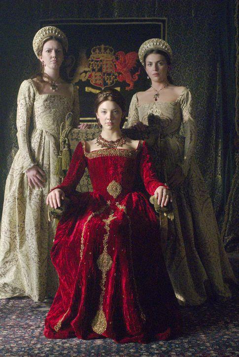 Wird zur Marquess of Pemproke ernannt: Anne Boleyn (Natalie Dormer, M.) ... - Bildquelle: 2008 TM Productions Limited and PA Tudors II Inc. All Rights Reserved.