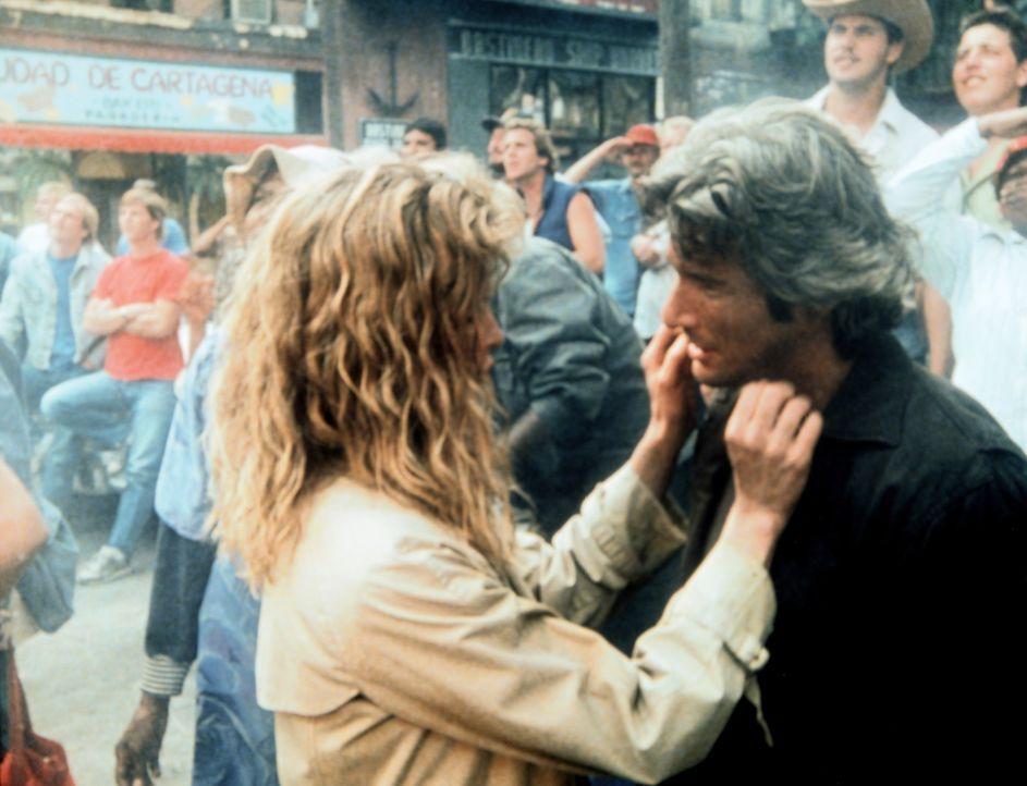 Michel (Kim Basinger, l.) und Eddie (Richard Gere, r.) sind sich auf der gemeinsamen Flucht doch etwas näher gekommen ... - Bildquelle: TriStar Pictures