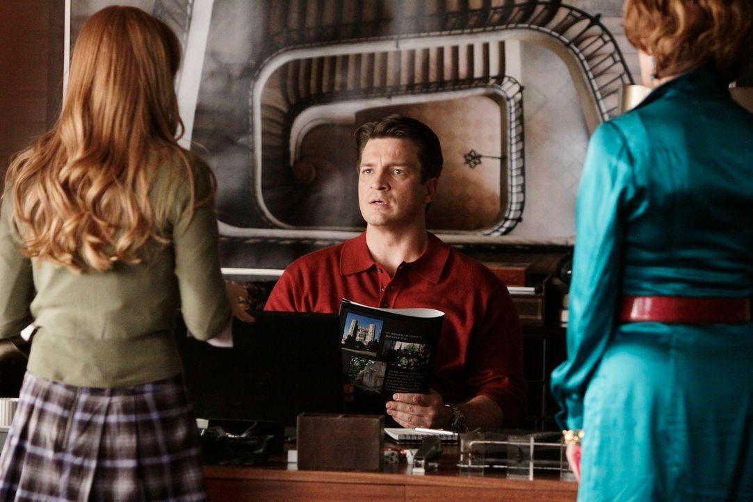 Martha (Susan Sullivan, r.) und Richard (Nathan Fillion, M.) freuen sich für Alexis (Molly C. Quinn, l.), die beim Princeton Sommerprogramm für High... - Bildquelle: ABC Studios