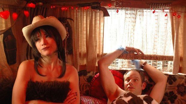 Die Prostituierte Kay (Anke Engelke, l.) hat den Geschäftsmann Kai (Michael L...