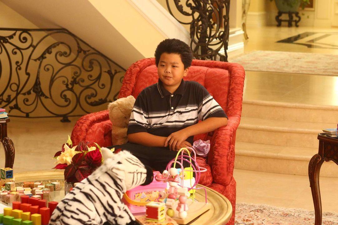 Während ein Freund von Louis der Familie langsam auf den Geist geht, beginnt Eddie (Hudson Yang) seine Teilzeitarbeitsstelle bei Rapper DMX ... - Bildquelle: 2015-2016 American Broadcasting Companies. All rights reserved.