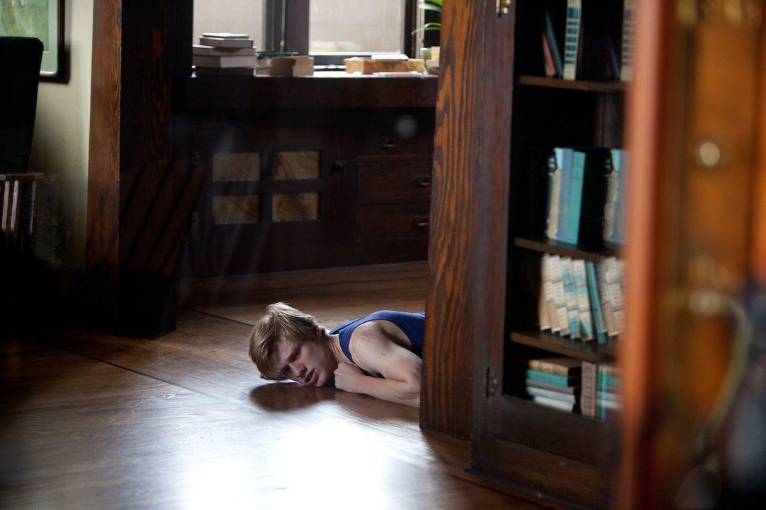 Scott (Lucas Till) bleibt nur noch wenig Zeit, seinen Stalker zu enttarnen, bevor es zu spät für ihn ist ... - Bildquelle: Squareone/Universum