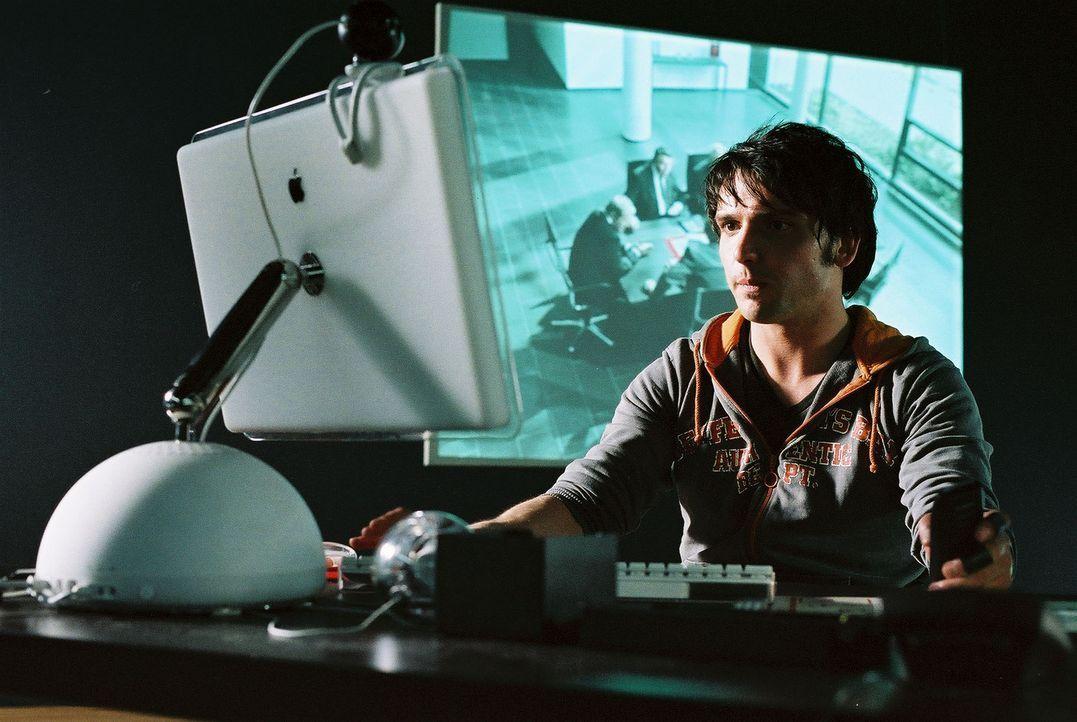 Als Fred (Sascha Göpel) erkennt, dass sein bester Freund Ben in einem rasenden motorisierten Käfig gefangen gehalten wird, wagt er das schier Unmögl... - Bildquelle: Thekla Ehling Prosieben