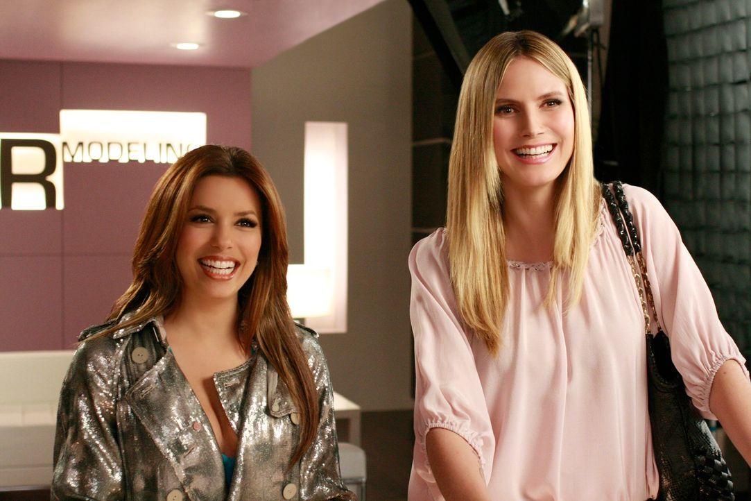 Während Preston aus Europa ein besonderes Souvenir mitbringt, machen sich Gaby (Eva Longoria, l.) und Angie auf nach New York, um Danny und Ana zu s... - Bildquelle: ABC Studios