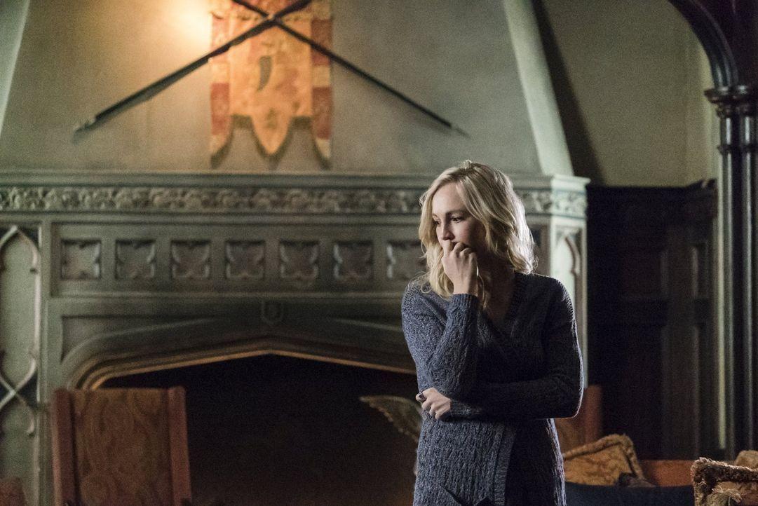 Nach dem Tod ihrer Mutter macht Caroline (Candice Accola) das, was sie am besten kann: planen, organisieren und koordinieren ... - Bildquelle: Warner Bros. Entertainment, Inc