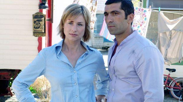 Eva (Corinna Harfouch, l.) ermittelt mit ihrem Kollegen Alyans (Erdal Yildiz,...