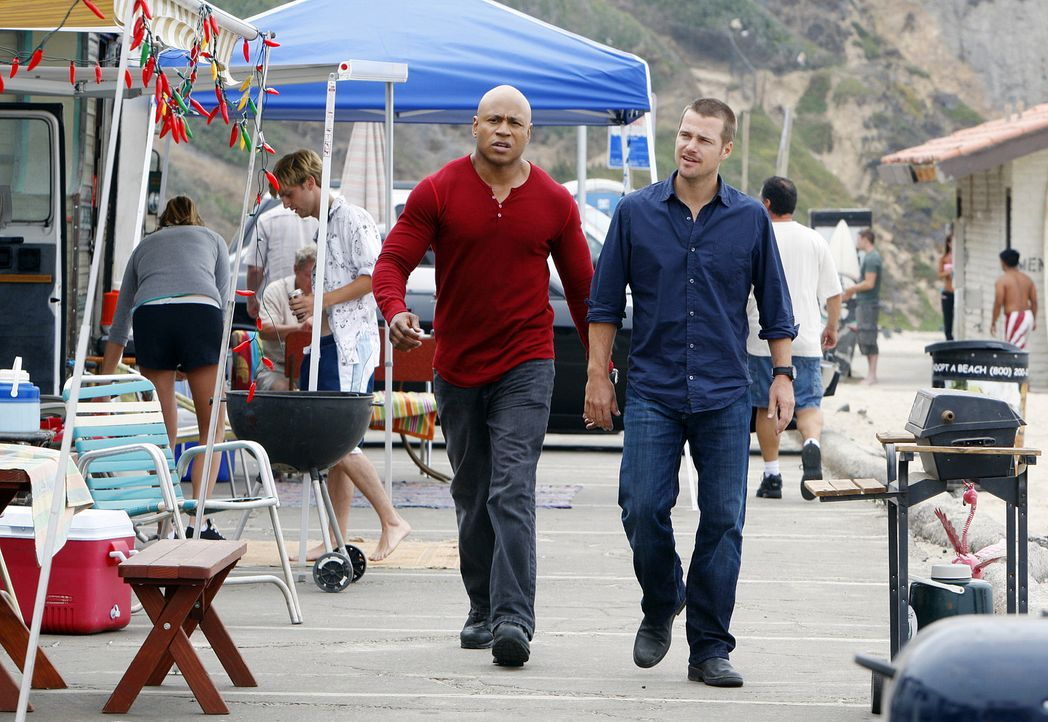Undercover versuchen Special Agent Callen (Chris O'Donnell, r.) und Special Agent Sam Hanna (LL CooL J, l.) einen neuen Fall zu lösen ... - Bildquelle: CBS Studios Inc. All Rights Reserved.