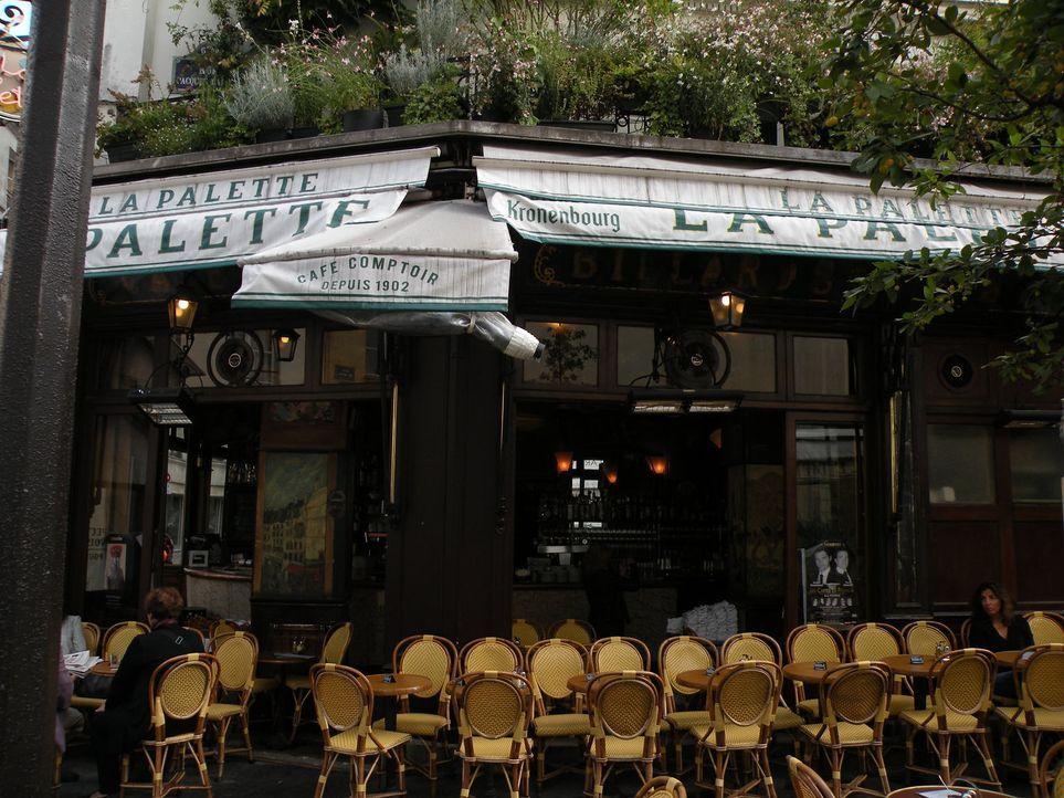 """Andrew Zimmern erforscht die kulinarischen Seiten der """"Stadt der Liebe"""" ... - Bildquelle: 2014,The Travel Channel, L.L.C. All Rights Reserved"""
