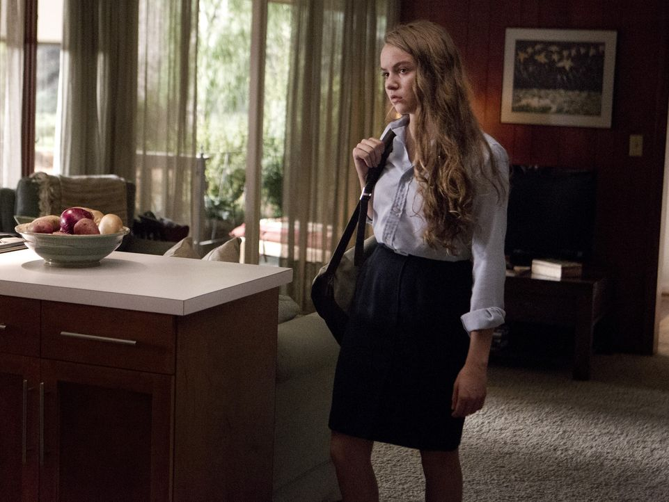 Dana (Morgan Saylor) besucht das Krankenhaus und ist schockiert von dem, was sie dort zu Gesicht bekommt ... - Bildquelle: 20th Century Fox International Television