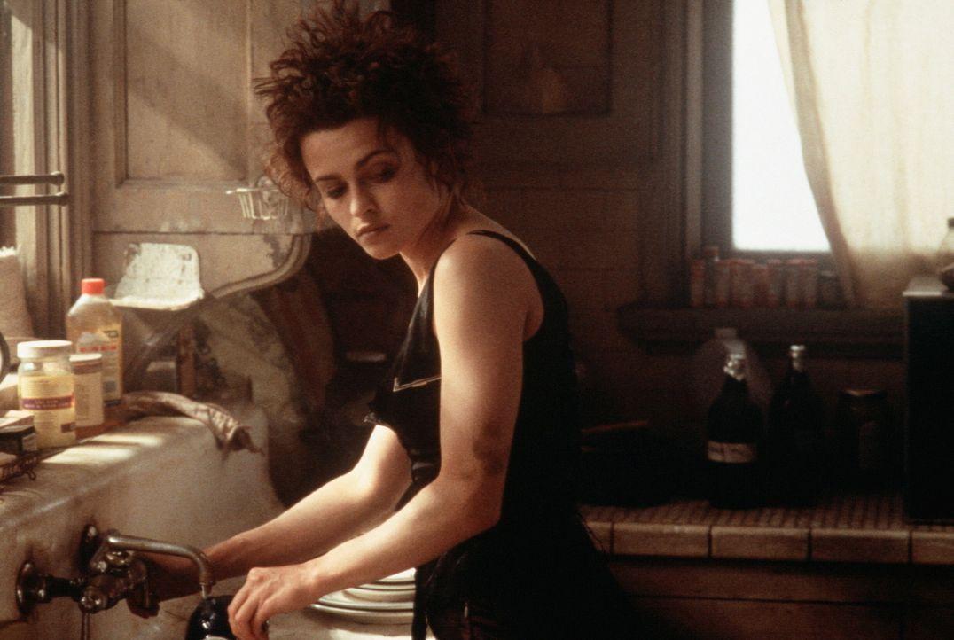 Die durchgeknallte, aber attraktive Marla Singer (Helena Bonham Carter) ist nicht glücklich mit ihrem Leben. Bei dem Besuch mehrerer Selbsthilfegru... - Bildquelle: 20th Century Fox