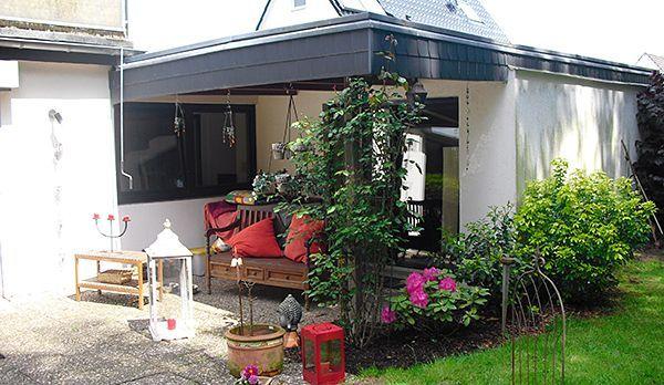 Angelas Haus von außen - Bildquelle: kabel eins