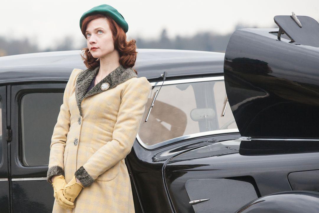 Stößt mit ihren Ermittlungsmethoden im Jahre 1945 nicht bei jedem auf Begeisterung: Diane Danville (Odile Vuillemin) ... - Bildquelle: Jaïr Sfez 2012 BEAUBOURG AUDIOVISUEL