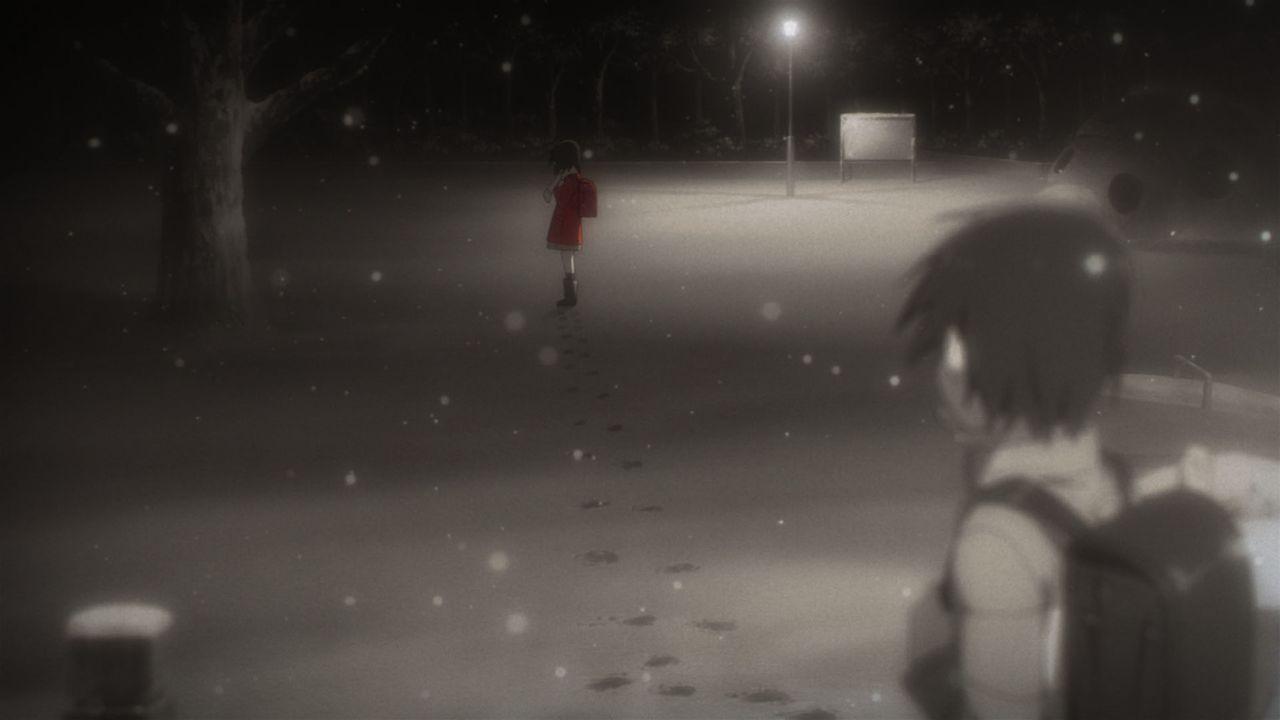 """Leider kann Satoru seine Zeitreisen nicht kontrollieren, so erinnert er sich bei einem seiner """"Reruns"""" an ein einschneidendes Ereignis, das zehn Jah... - Bildquelle: 2016 Kei Sanbe/KADOKAWA/Bokumachi Animation Committee"""