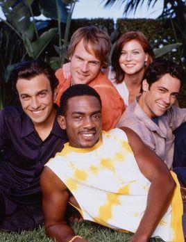 Men, Women and Dogs - Cast in the Park - Bildquelle: Paramount Television