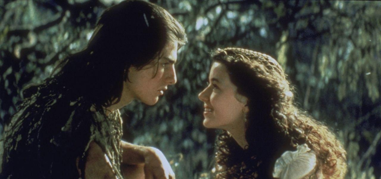 Die schöne Prinzessin Lili (Mia Sara, r.) trifft sich mit ihrem Freund Jack (Tom Cruise, l.), der als Eremit im Wald haust und mit Tieren aller Art... - Bildquelle: Universal Pictures