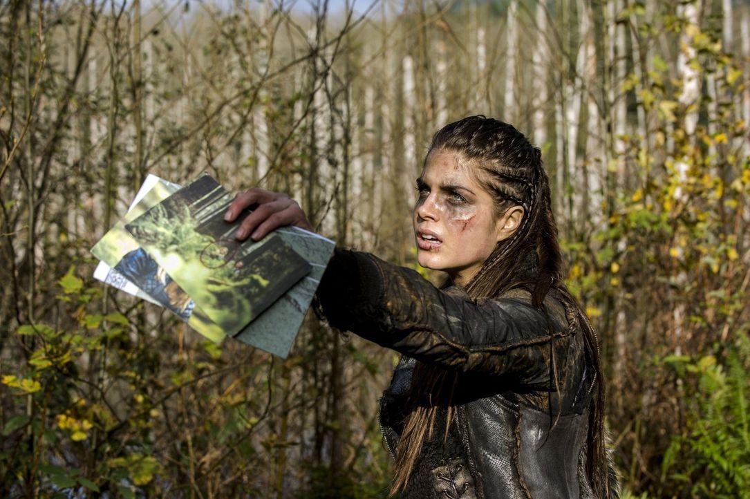 """Noch ahnt Octavia (Marie Avgeropoulos) nicht, welche Konsequenzen aus Bellamy und Lincolns Versuch in """"Mount Weather"""" einzubrechen, resultieren ... - Bildquelle: 2014 Warner Brothers"""