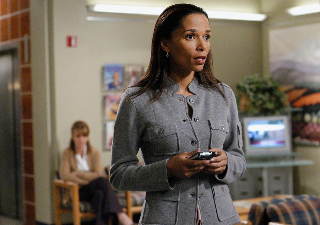 Hat eine Affäre mit dem Aufsichtsratsvorsitzenden Larry Jennings: Celeste Newman (Rowena King) ... - Bildquelle: Touchstone Television