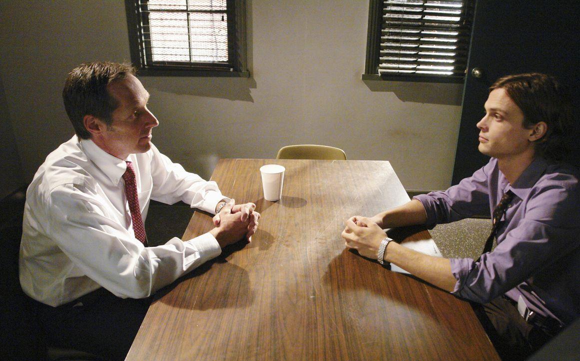 Reid (Matthew Gray Gubler, r.) lassen die Bilder, an die er sich im Traum erinnert hat, nicht los und er geht der Sache auf den Grund. Er ist sich s... - Bildquelle: Touchstone Television