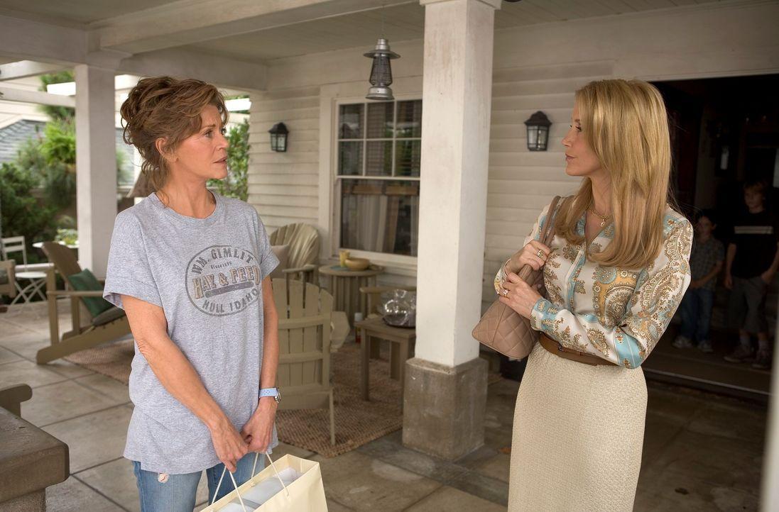 Haben sich nicht viel zu sagen: die bodenständige Georgia (Jane Fonda) und ihre mondäne Tochter Lilly (Felicity Huffman) ... - Bildquelle: Morgan Creek International