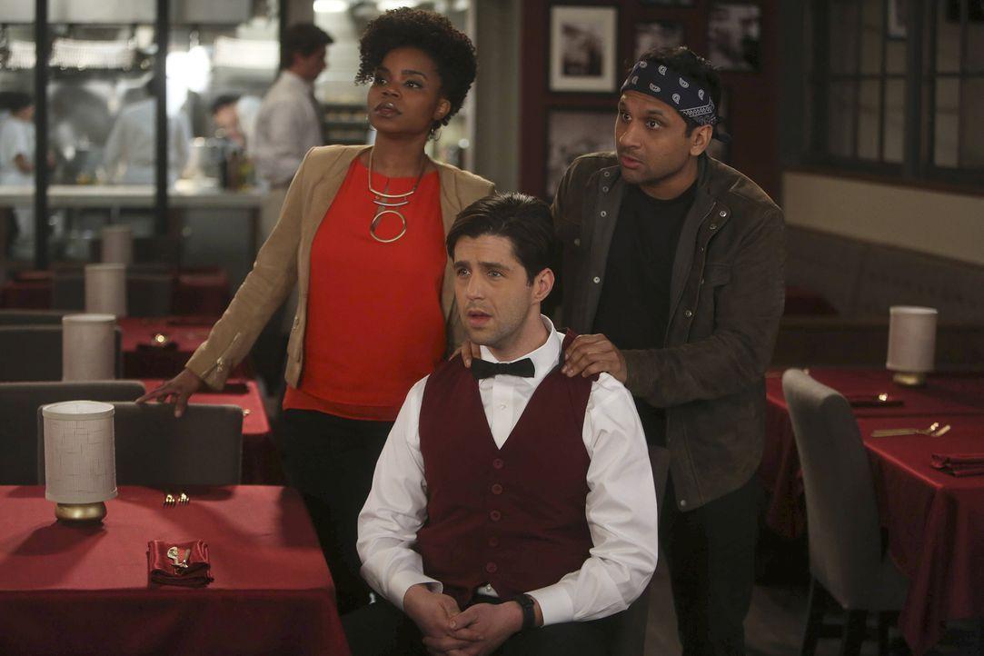 Annelise (Kelly Jenrette, l.) und Ravi (Ravi Patel, r.) bereiten Gerald (Josh Peck, M.) auf eine bevorstehende Schlägerei vor. Denn Gerald hat eine... - Bildquelle: Jordin Althaus 2016 ABC Studios. All rights reserved.