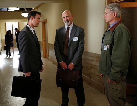 Navy CIS - Als Richard Parsons (Colin Hanks, l.) versucht, Gibbs (Mark Harmon...