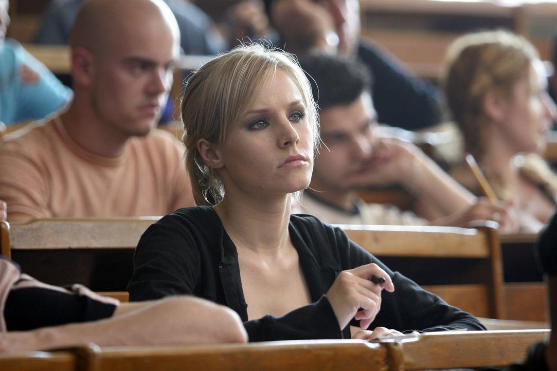 Psychologiestudentin Mattie (Kristen Bell) ist völlig fertig: Ihr Freund Josh hat sich das Leben genommen. Als sie E-Mails vom toten Freund erhält... - Bildquelle: The Weinstein Company