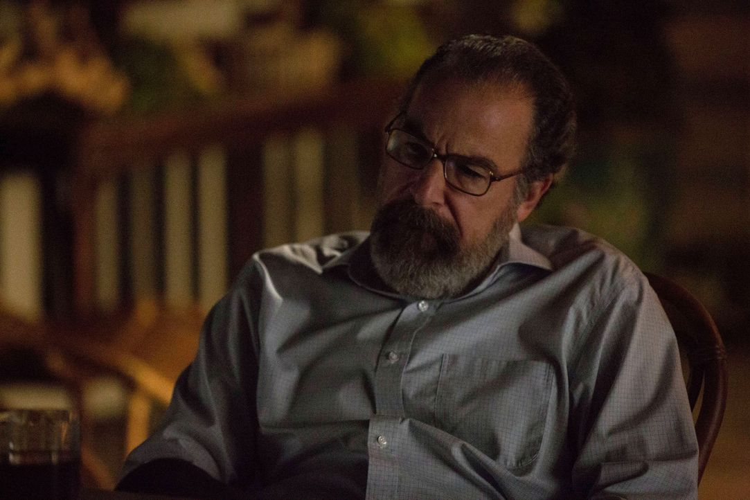 Kann Carrie Saul (Mandy Patinkin) wieder vertrauen? - Bildquelle: 2013 Twentieth Century Fox Film Corporation. All rights reserved.