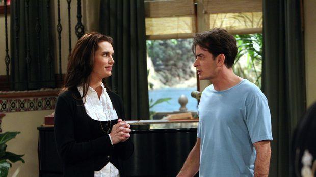 Danielle (Brooke Shields, l.), die attraktive neue Nachbarin, stellt sich Cha...