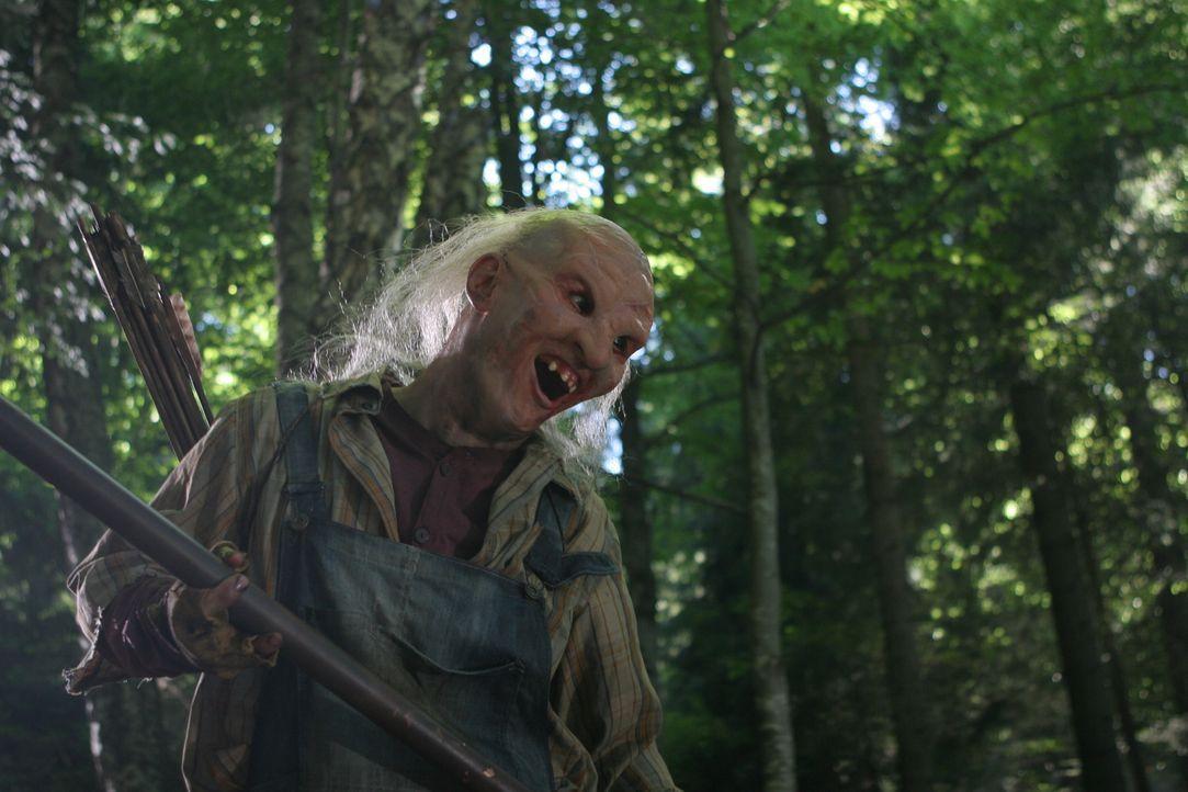 Hat sein nächstes Opfer im Visier: Three-Fingers (Borislav Iliev) ... - Bildquelle: Constantin Film Verleih GmbH.