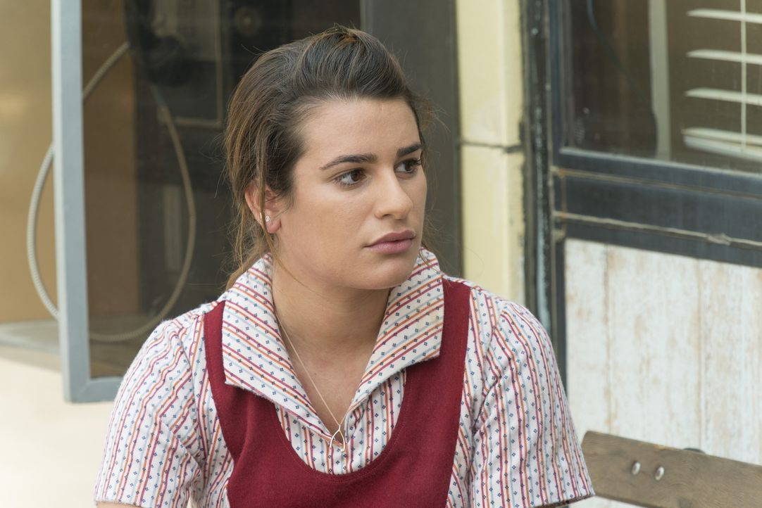 Findet die Kellnerin Gertie (Lea Michele) heraus, wer Gemma wirklich ist und welche Gefahr von ihr ausgeht? - Bildquelle: Prashant Gupta 2013 Twentieth Century Fox Film Corporation and Bluebush Productions, LLC. All rights reserved.