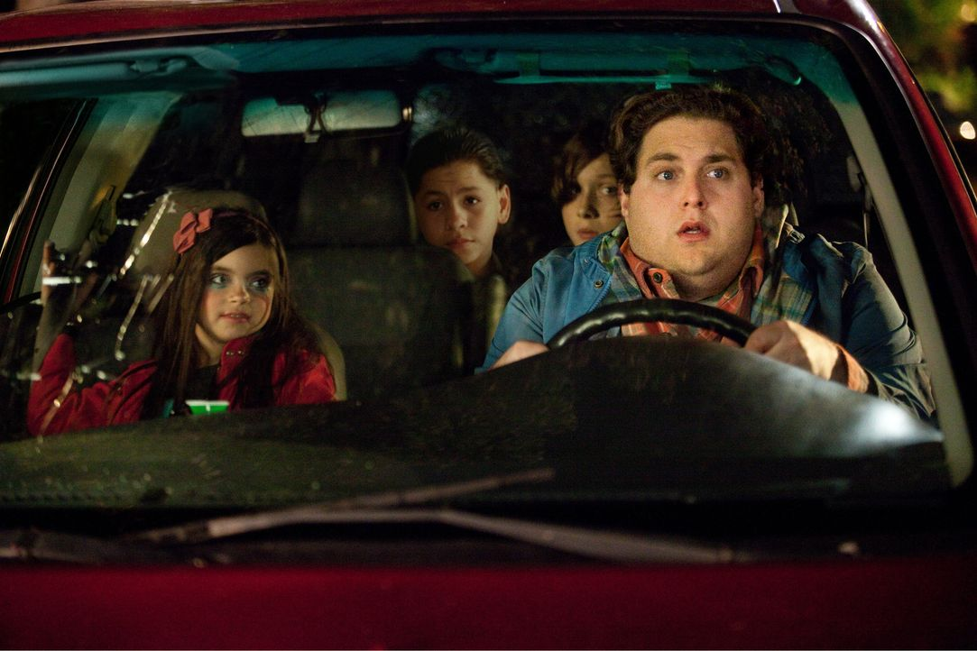Als Noah (Jonah Hill, r.) für einen vermeintlichen Kurztrip in die Stadt muss, bleibt ihm schließlich nichts anderes übrig, als die ihm anvertrauten... - Bildquelle: Jessica Miglio 2011 Twentieth Century Fox Film Corporation. All rights reserved.