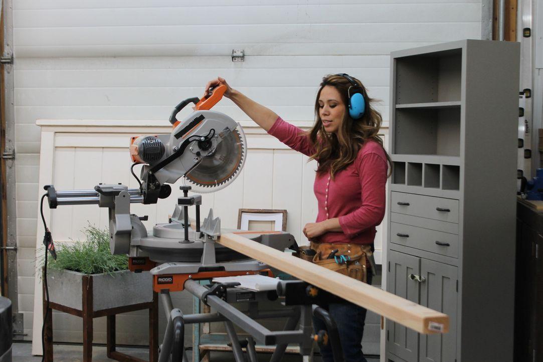 Möbeldesignerin Ana White (Foto) und ihr Mann Jacob erfüllen sich ihren ganz besonderen Haustraum in der Wildnis Alaskas ... - Bildquelle: 2015, DIY Network/Scripps Networks, LLC. All Rights Reserved.