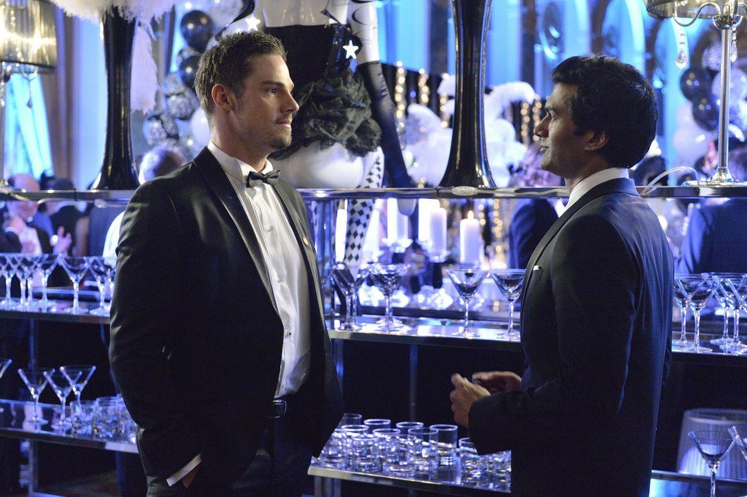 Noch ahnen Vincent (Jay Ryan, l.) und Gabe (Sendhil Ramamurthy, r.) nicht, dass sie bald Rivalen werden ... - Bildquelle: 2013 The CW Network, LLC. All rights reserved.