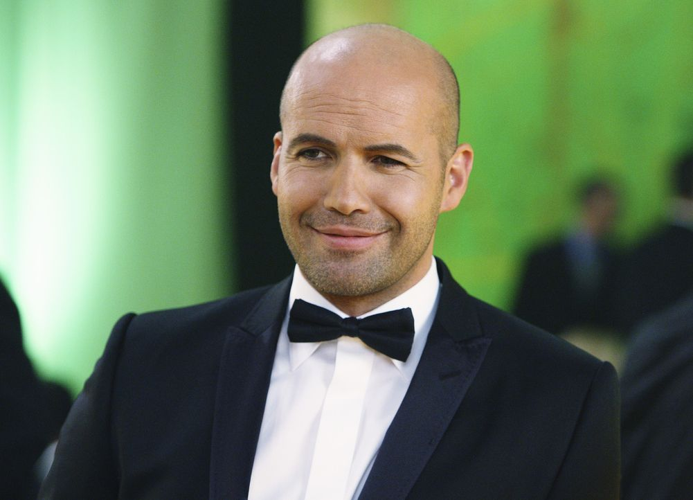 Winston Funk (Billy Zane) macht immer wieder Anstalten mit Samantha auszugehen, während diese sich damit arrangieren muss, dass Todd nun in London... - Bildquelle: 2008 American Broadcasting Companies, Inc. All rights reserved.