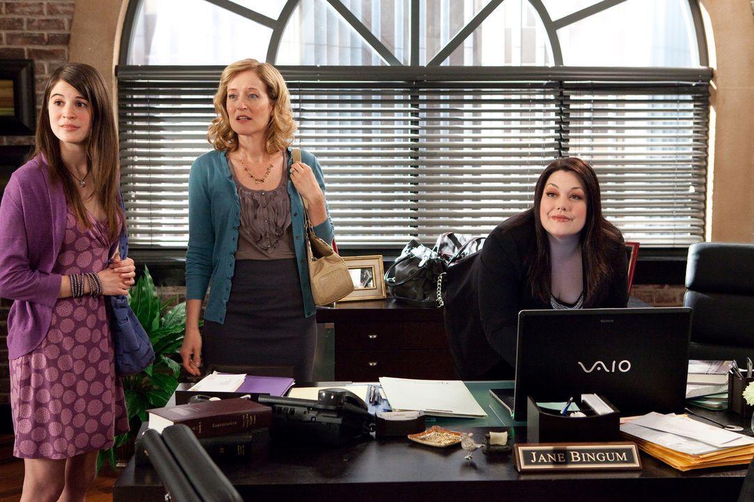 Abby (Amelia Rose Blaire, l.) und ihre Mutter (Kari Coleman, M.) suchen Hilfe bei Jane (Brooke Elliott, r.), denn Abby ist einem Cybermobbing zum Op... - Bildquelle: 2009 Sony Pictures Television Inc. All Rights Reserved.