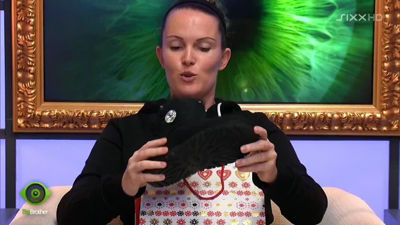 Bianca bekommt neue Schuhe